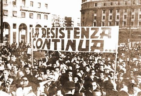«La résistance continue»: rassemblement populaire le 25 avril 1945.
